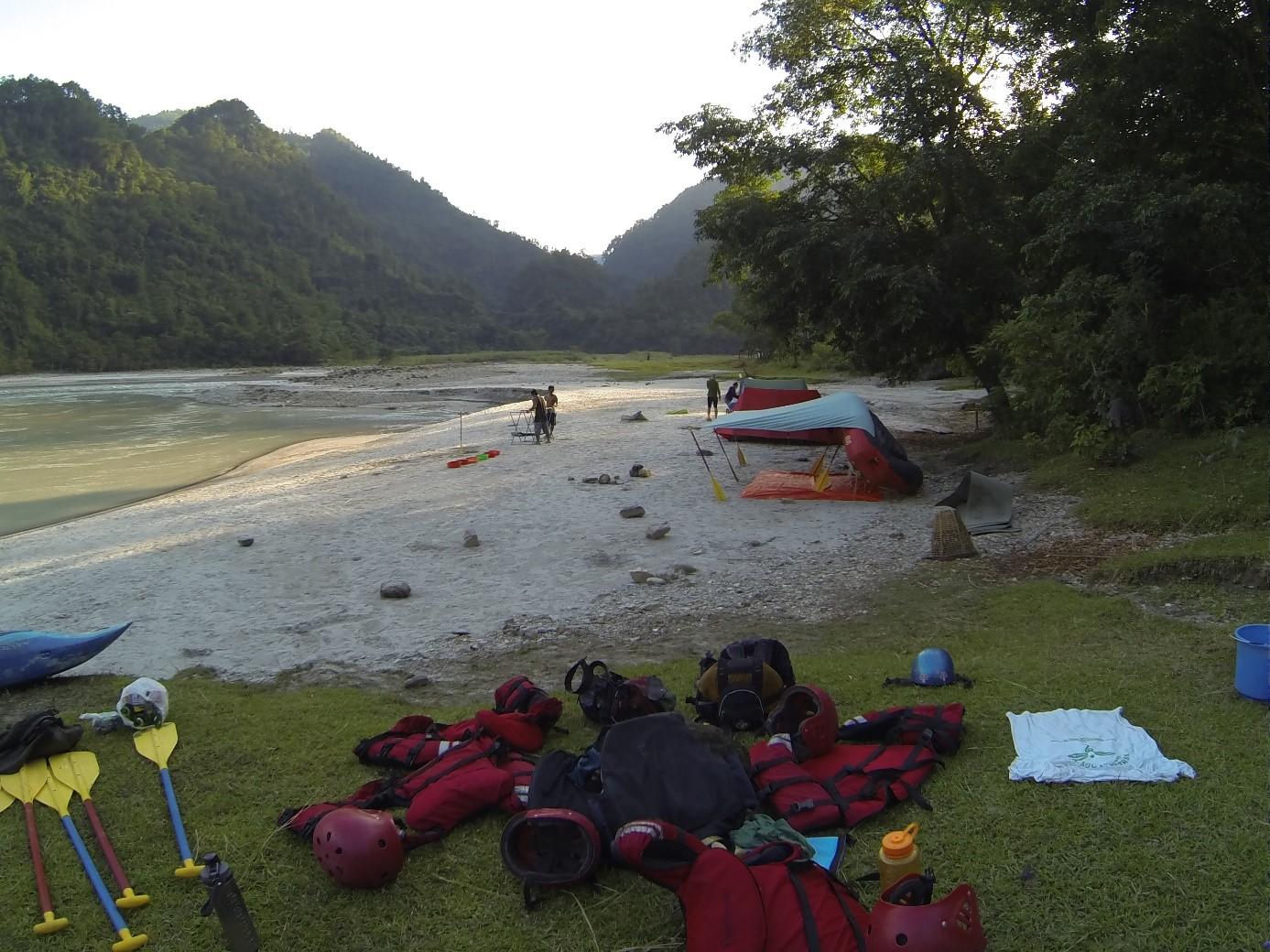 Nepal_rafting_travelnative5